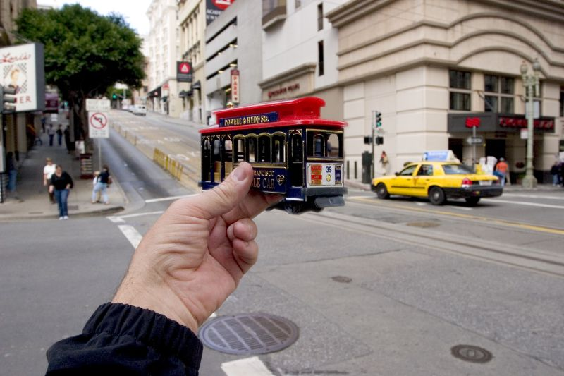 3. Трамвай на улице Сан-Франциско .