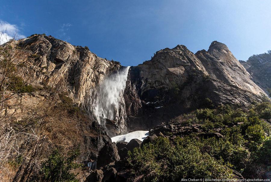 11. Часть территории Сьерра-Невады, где расположен парк, долгое время считалась границей поселений е