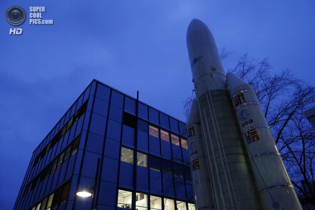 Германия. Дармштадт, Гессен. 20 января. Европейский центр управления космическими полётами. (REU
