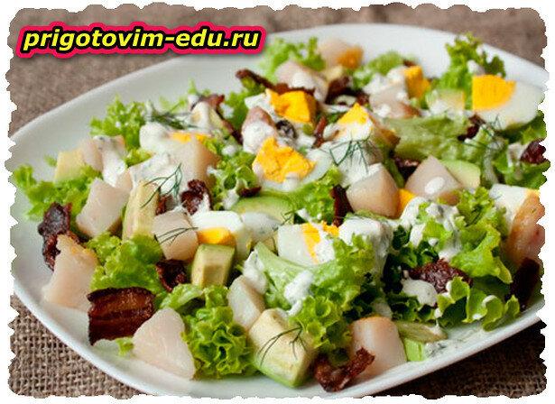 Салат из ставриды горячего копчения  с редисом