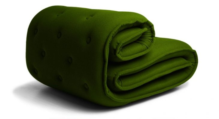 Roulade is a meeting between generations and genres, a meeting between mattress and Chesterfield, ch
