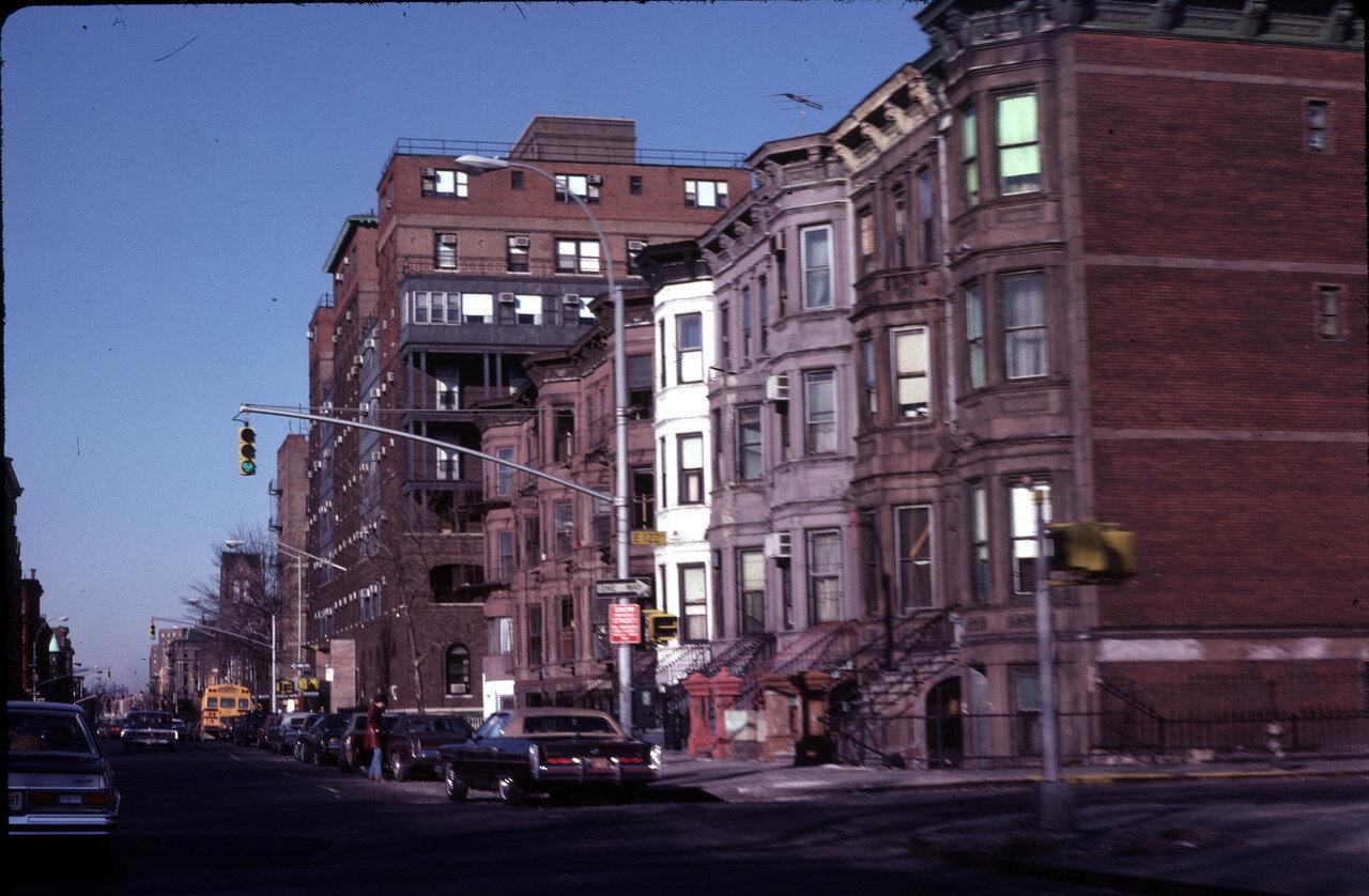 Нью-Йорк. 122-стрит