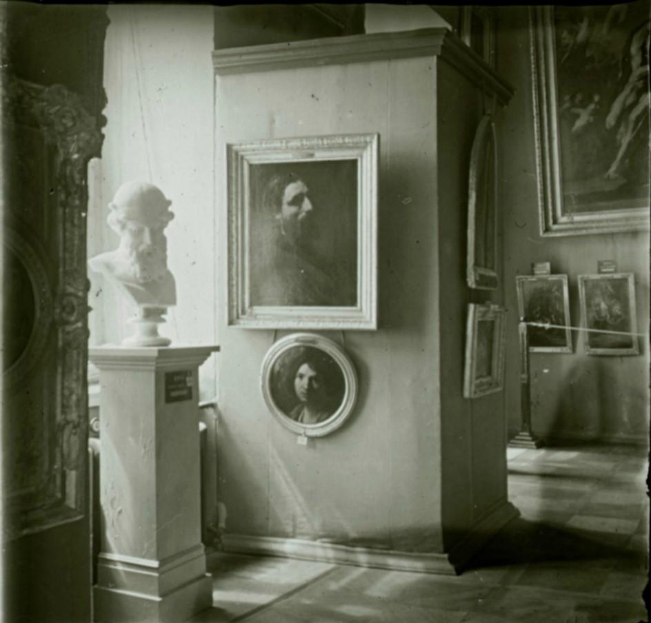 11. Вид зала итальянского искусства