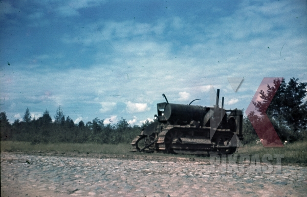 stock-photo-ww2-color-captured-russian-army-military-tractor-russia-1941-19th-panzer-division-summer-9377.jpg