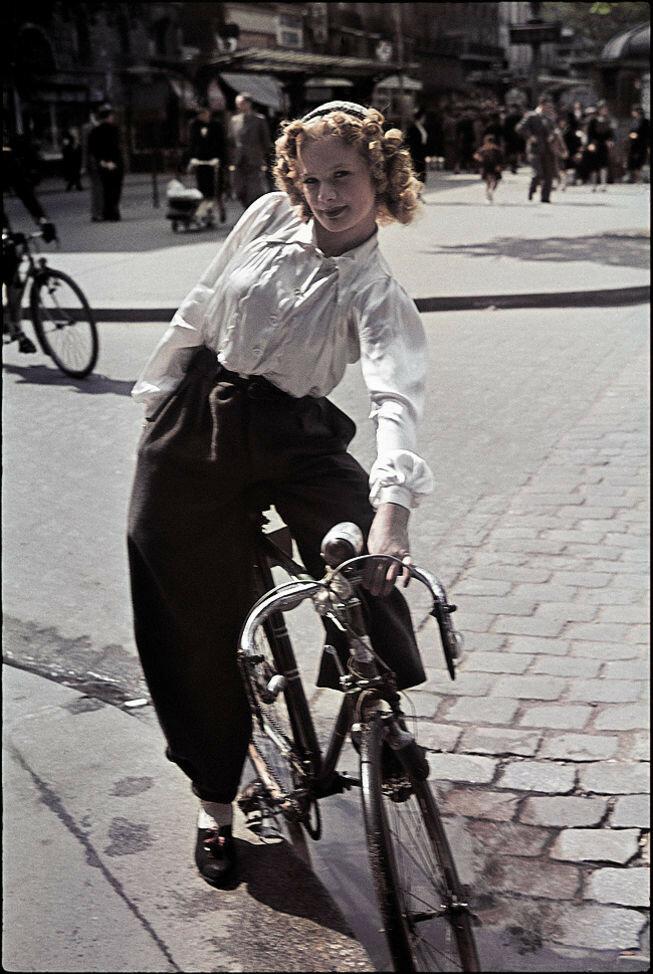 1941 Paris1.jpg