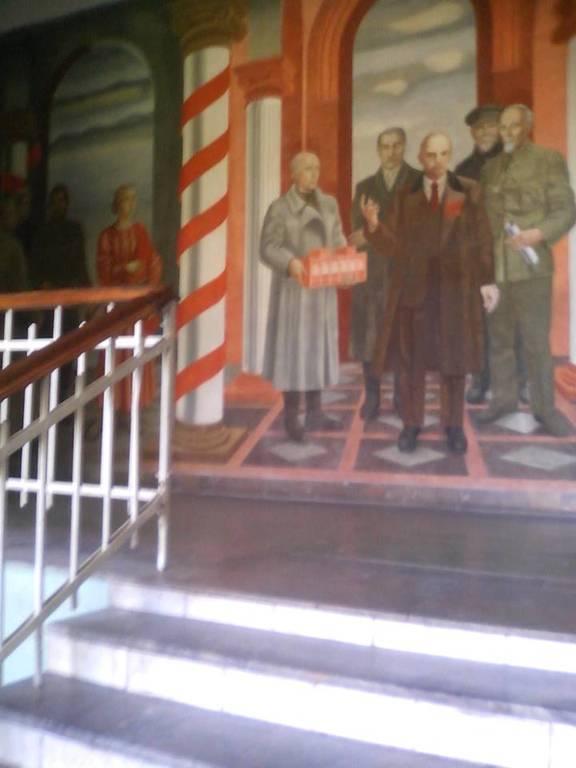 Ленин в киевском вузе: НТУУ КПИ декоммунизация не дошло (фотофакт)