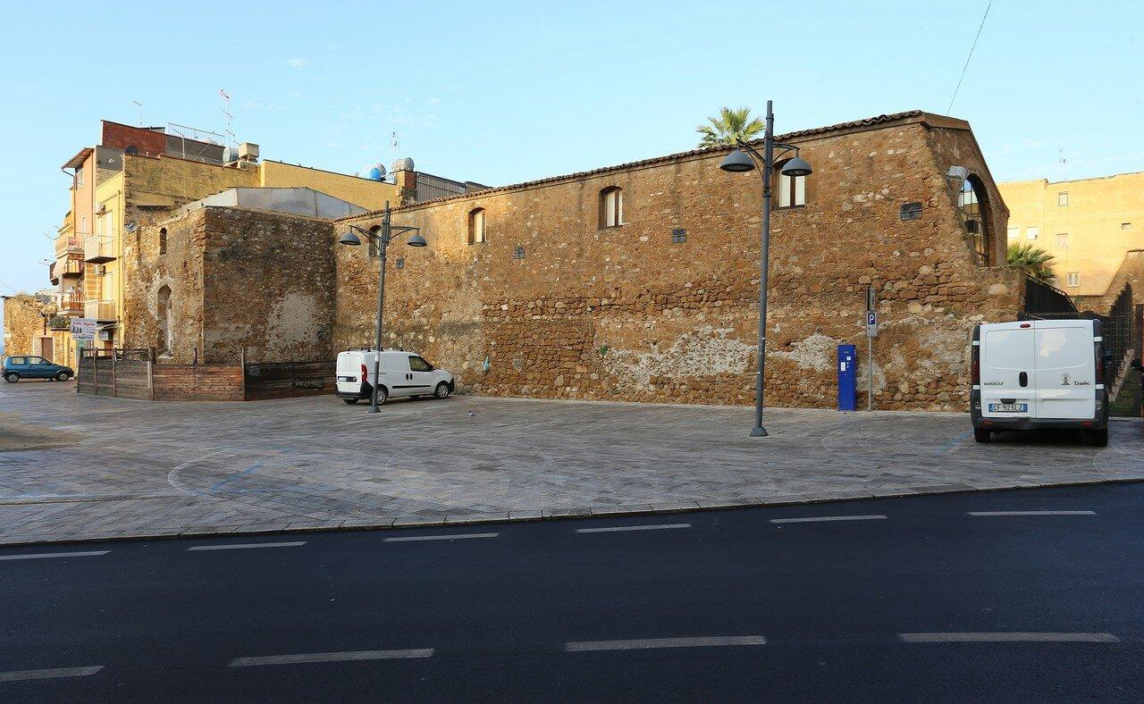 Jela. Municipal warehouses (Granai del Palazzo Ducale)