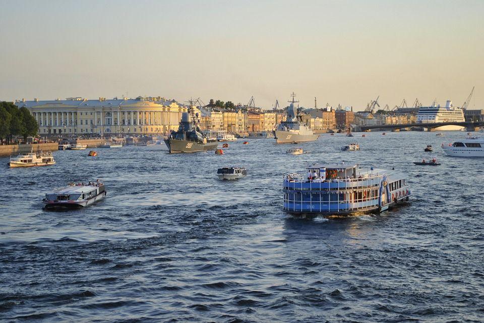 Прага Этот прекрасный чешский городок создан для романтичных натур. Вечерняя прогулка при свете стар