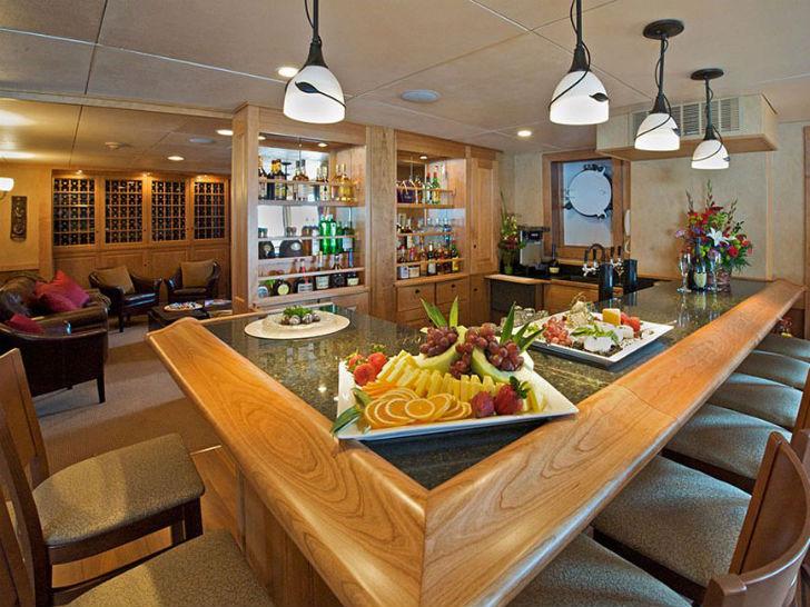 Яхта Safari Explorer Пункт прибытия: Гавайские острова. Цена за неделю: 200 895 долларов. Большинств