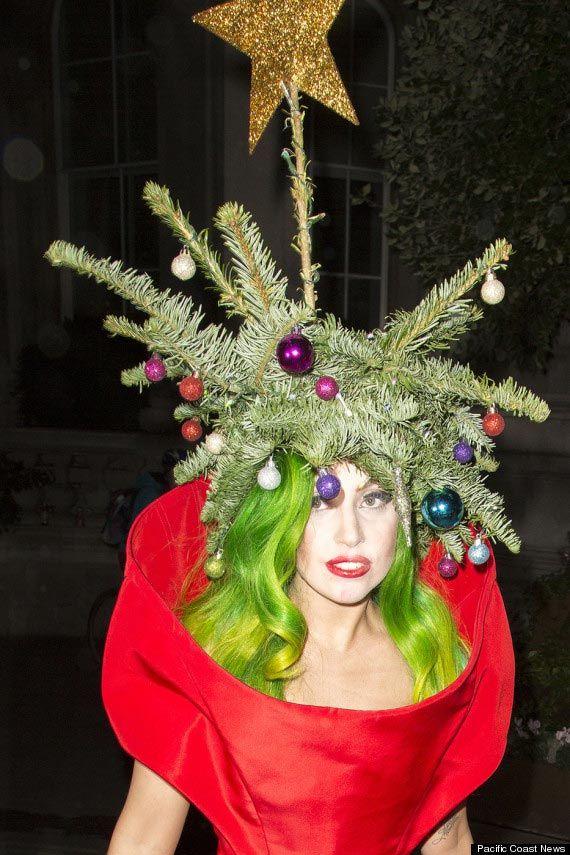 Бонус: Леди Гага — сама себе елка.