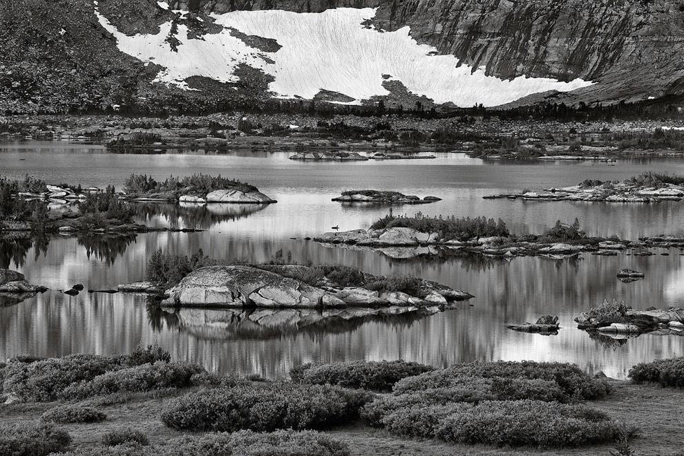 Волны на озере Дана. (Фото Peter Essick):