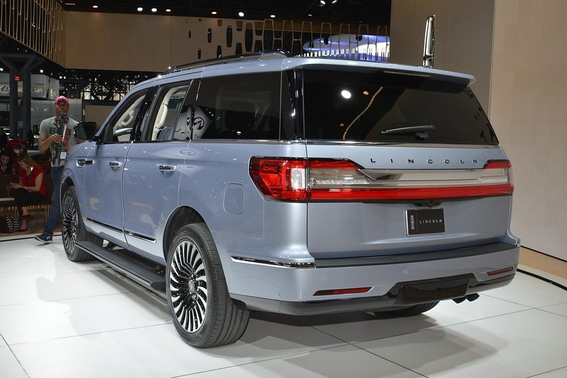 Cовершенно новый и очень роскошный Lincoln Navigator