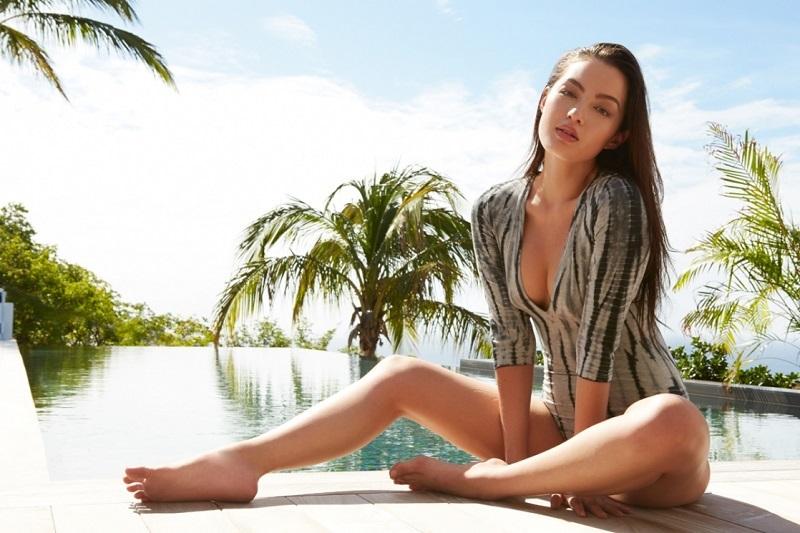 Работа моделью заставила Мию постоянно следить за различными стандартами. Она не могла принять свое