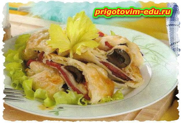 Пирог из слоеного теста с салями и грибами в СВЧ - печи