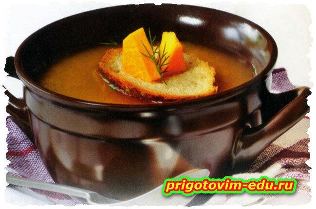 Тыквенный суп с креветками в горшочке