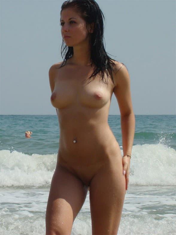 Тем временем у моря