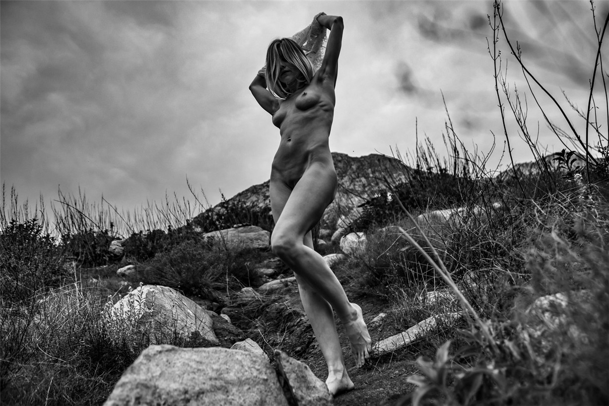 шторм с Николь Эрин / Nicole Erin nude by Michael Lee - Lions Magazine