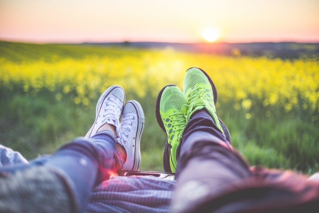 young-couple-relaxing-enjoying-sunset-from-the-car-picjumbo-com.jpg