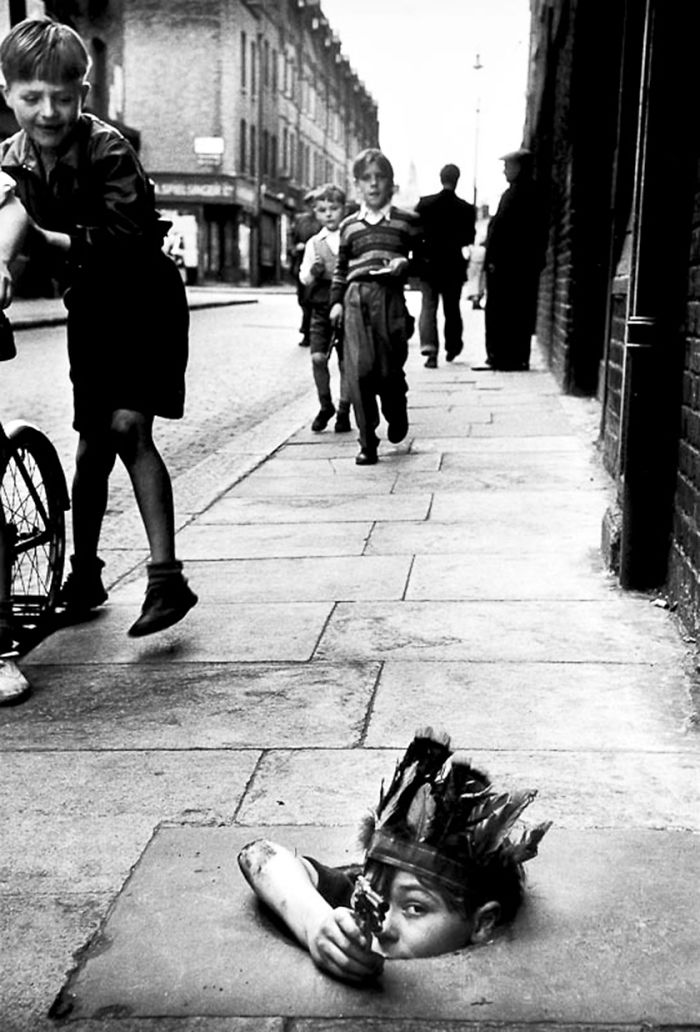historical-children-playing-photography-16-589dbee8c7c26__700.jpg