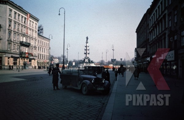 stock-photo-tegetthoffmemorial-at-the-praterstern-in-vienna-austria-1938-10577.jpg