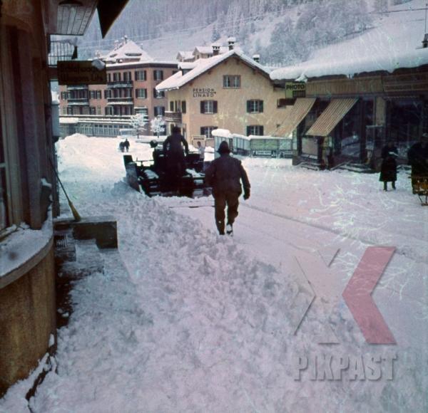 stock-photo-ww2-color-austrian-ski-village-pension-linard-snow-tractor-1937-9483.jpg