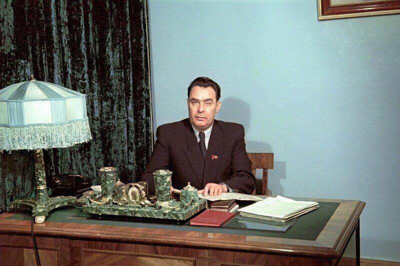 Леонид Брежнев, 1954 год