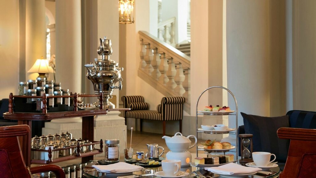 slider_hotel-taschenbergpalais-kempinski-dresden-afternoon-tea.jpg
