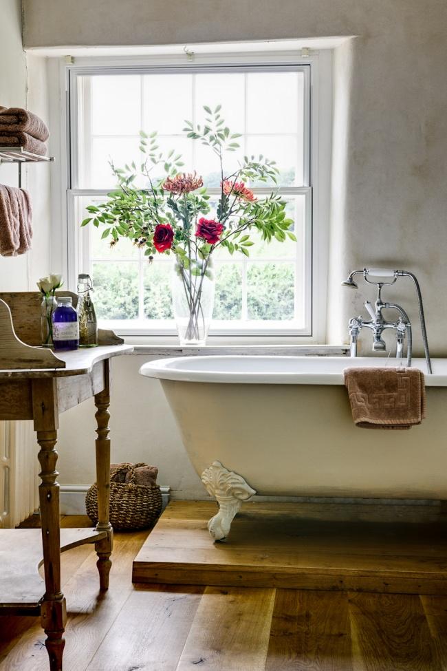 © enmiespaciovital  Цветы лучше располагать вразличных уголках дома (настоликах, подоконника