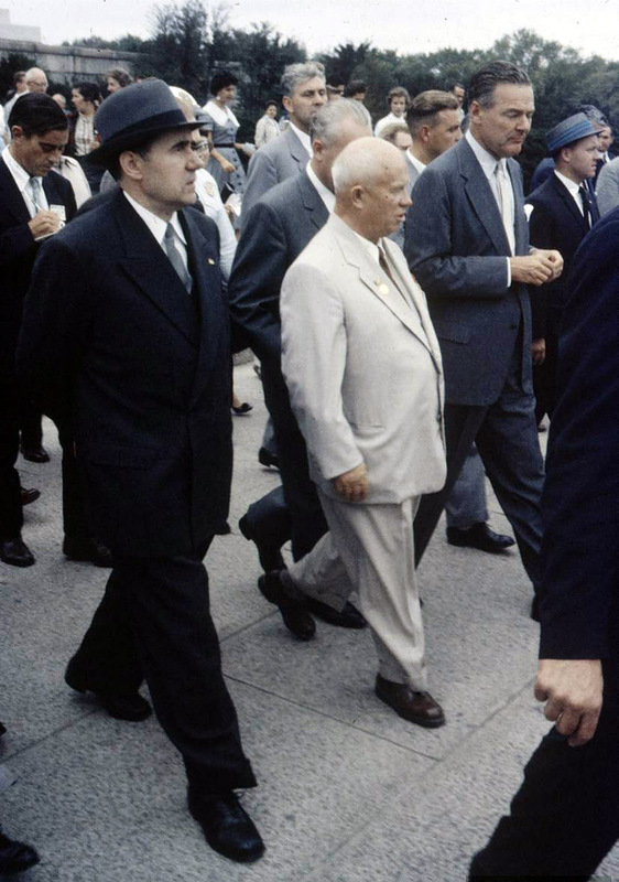 Эйзенхауэр с женой Хрущева: