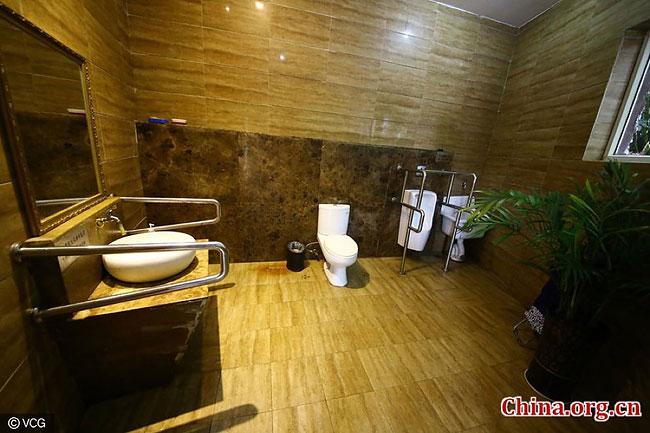В китайском городе открыли 5-звездочный общественный туалет