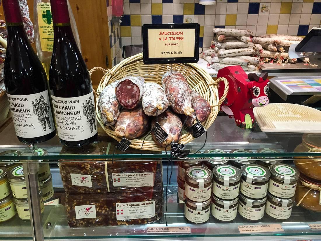 Вина из сорта Мондез в среднем от 700 до 900 рублей.