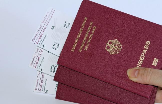Паспорта мира бывают только четырех цветов, ивот почему (5 фото)