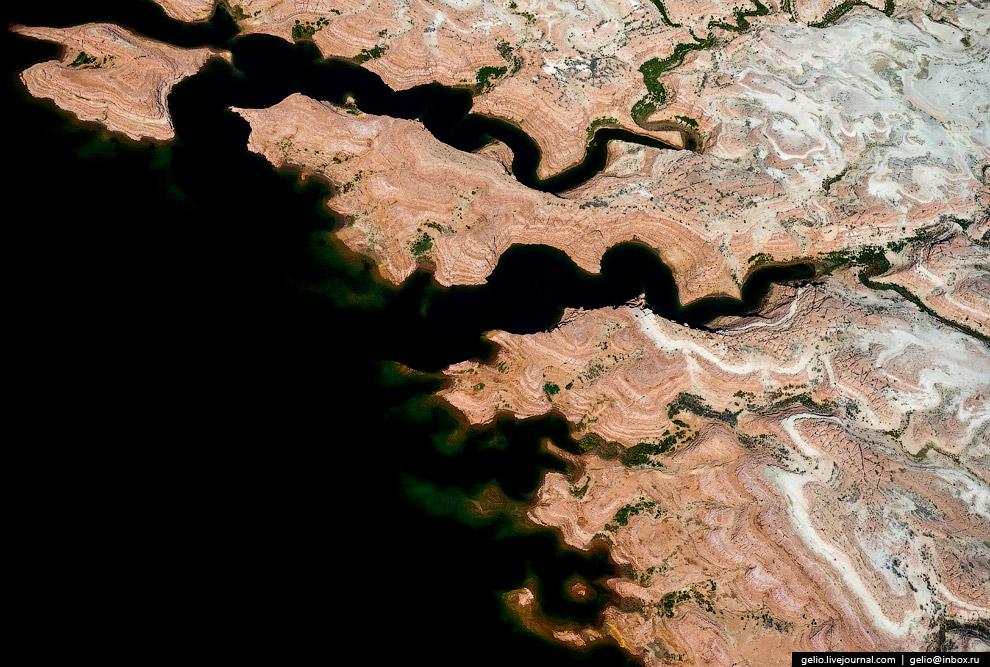 14. Воздух в районе Большого каньона считается одним из самых чистых и прозрачных в США. Однако