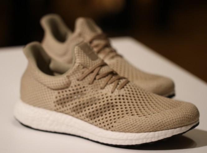 Adidas представила на100% биоразлагаемые кроссовки