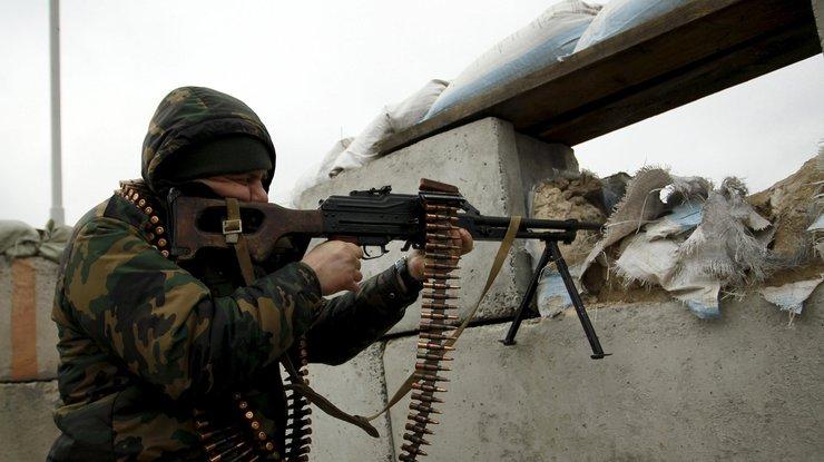 Террористы обстреляли контрольный пост Марьинка, ранен пограничник