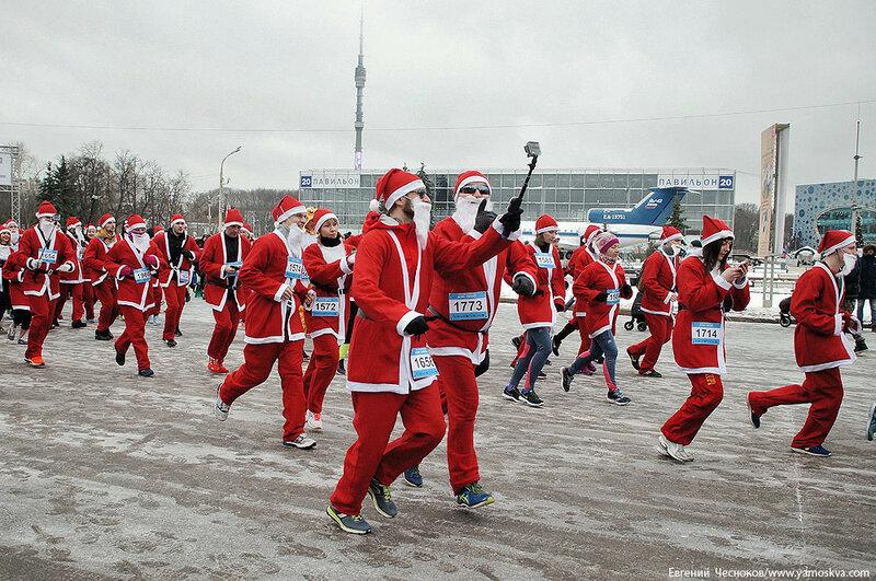 Зима. ВДНХ. Забег Дедов Морозов. 25.12.16.13..jpg