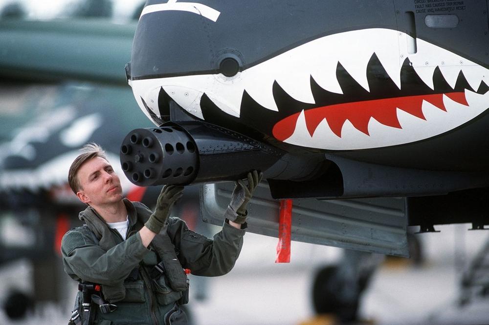Военный кастом Tailgunner/Dillion Aero M134X High Speed Interceptor