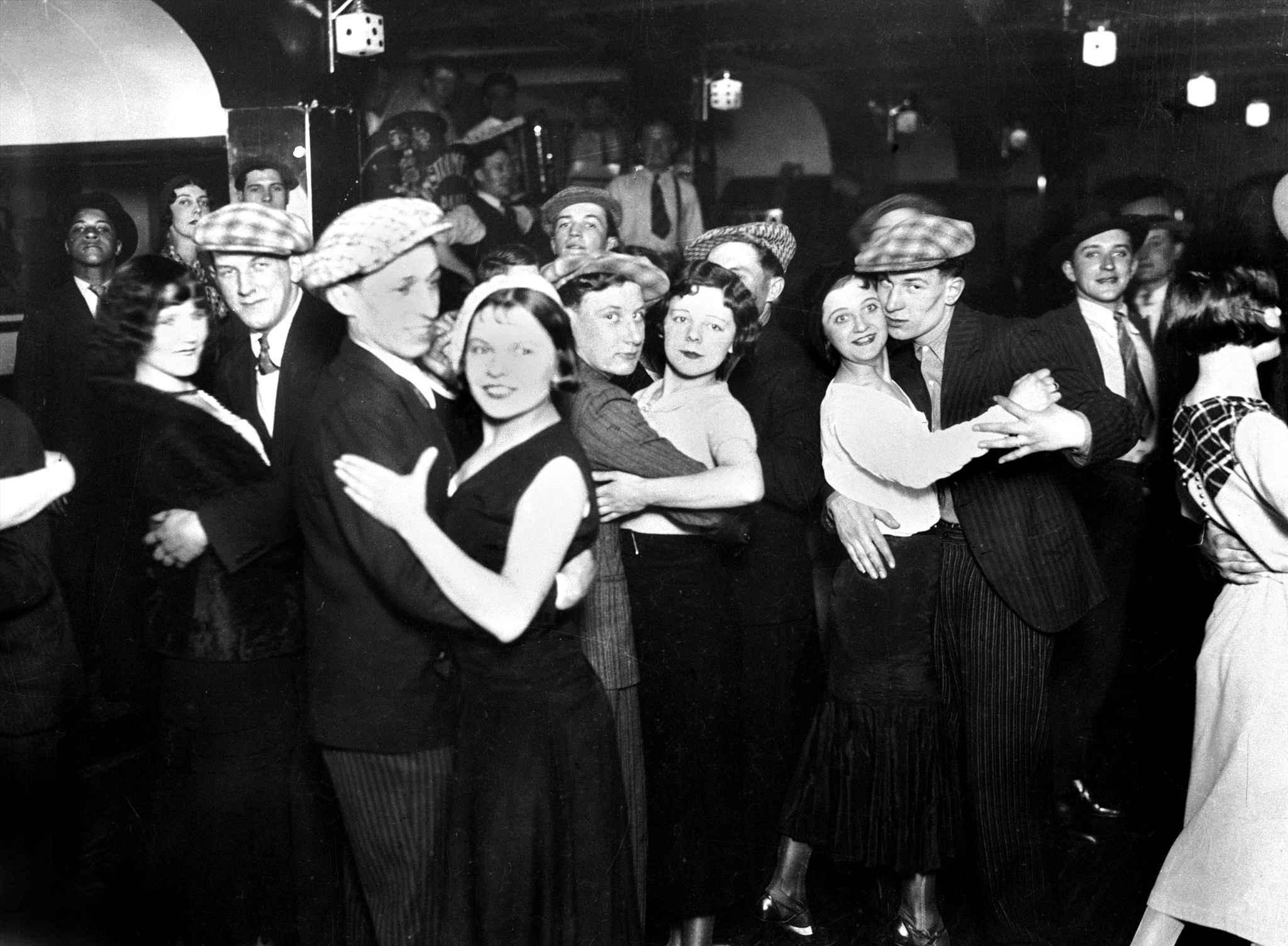 1932. Популярный танец джава. Танцпол на Рю-де-Фобур-дю-Тампль,105