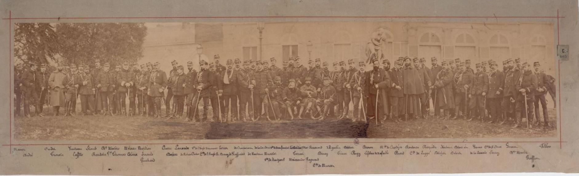 Национальная гвардия. Панорама, состоящая из четырех склеенных изображений