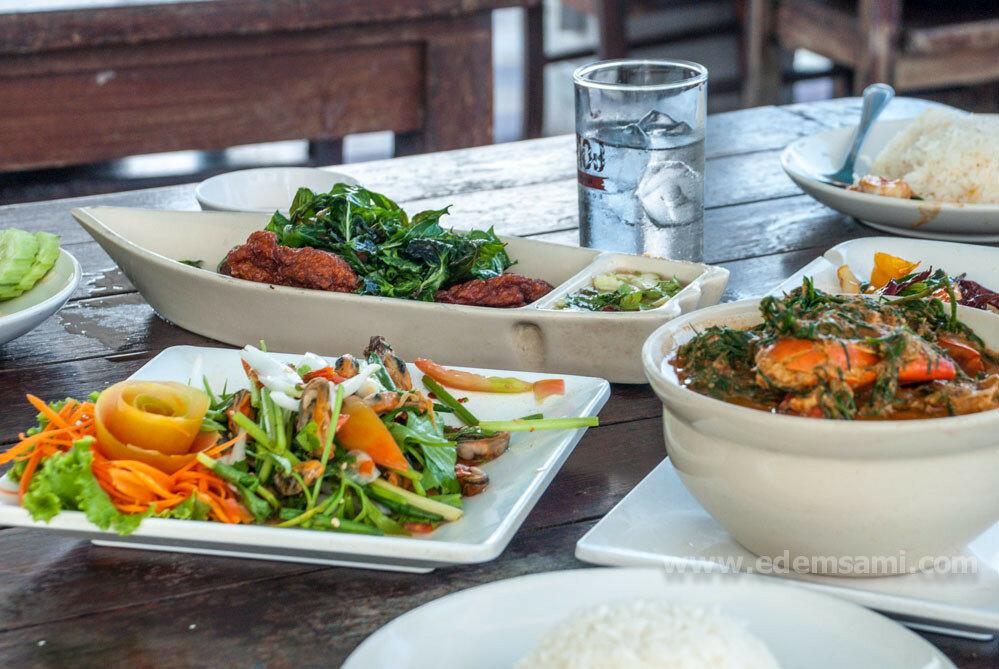 Ресторан морепродуктов в Банг Табуне