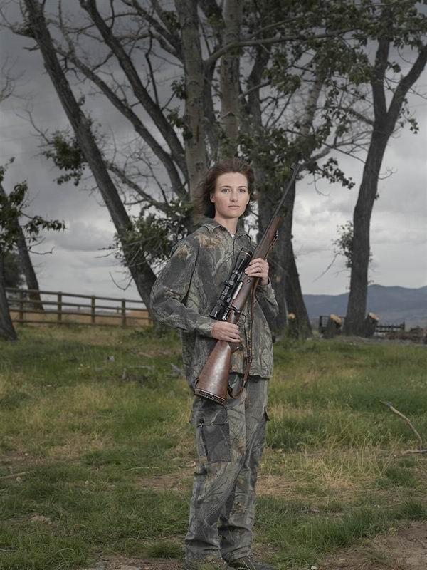 21. Джен Эмигрант, Монтана Browning .270 с прицелом Leupold и сделанным вручную ремнем (Lindsay McCr