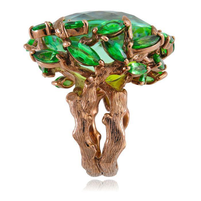 3. Кольцо-древо от Lydia Courteille Француженку Lydia Courteille смело можно считать королевой эпата
