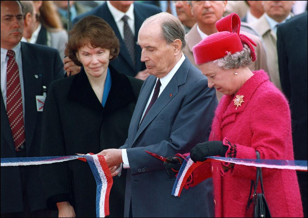 26. Англия — это больше не остров! Британская королева отправляется на поезде Евростар в Париж: