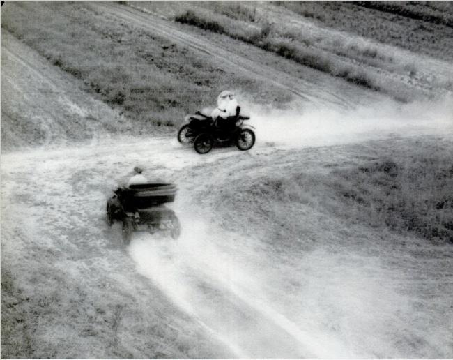 © life  В1895 году вштате Огайо столкнулось два автомобиля. Странность этого случая втом, ч