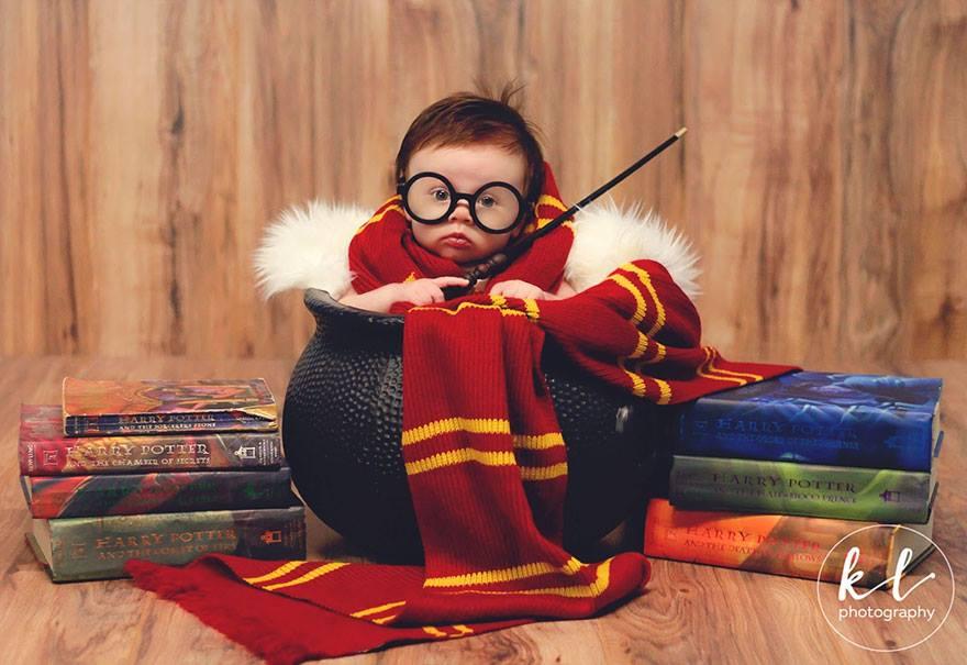 «Я специально поместила на фон мои старые книги о Гарри Поттере, потому что они сыграли огромную рол