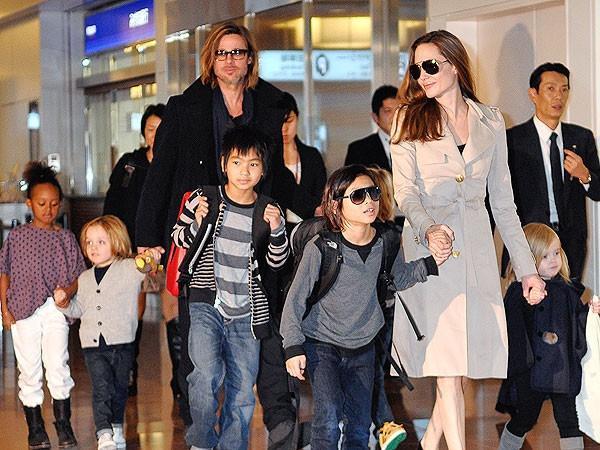 10. Анджелина Джоли и Брэд Питт – 6 Одна из самых красивых пар Голливуда, получившая прозвище «брэнд