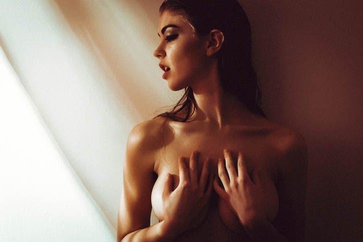 izvestniy-eroticheskiy-fotograf