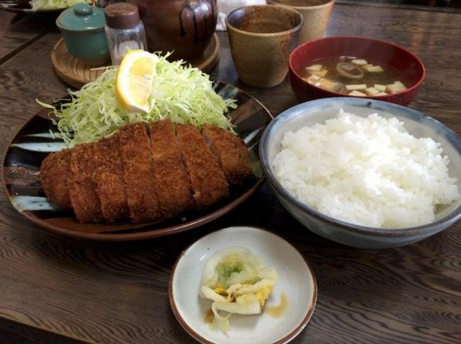 © amazingjapan  Вкаждый прием пищи японцы едят рис, приготовленный особым образом: его несол