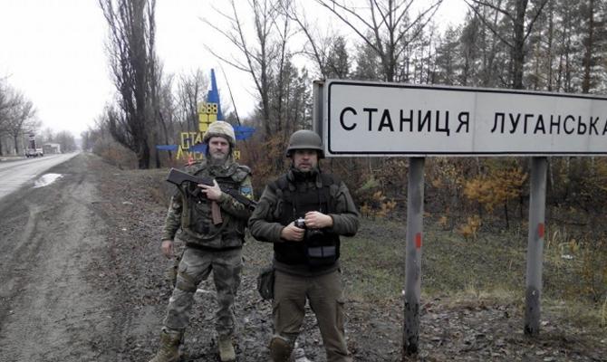 Полторак: Решение оботводе вооружения вСтанице Луганской еще непринято