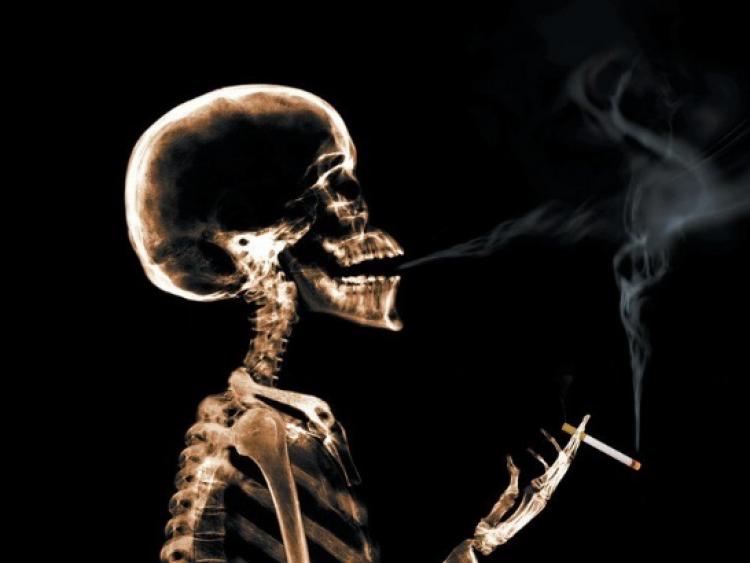 Кболезни Альцгеймера приводит курение— Ученые